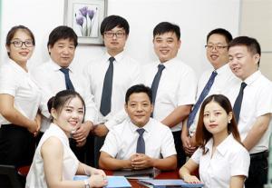 年富力强的专业律师团队