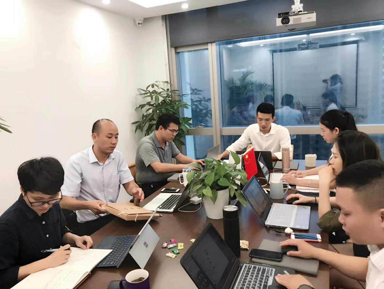 盈辉律师团队领导组织团队成员周五学习