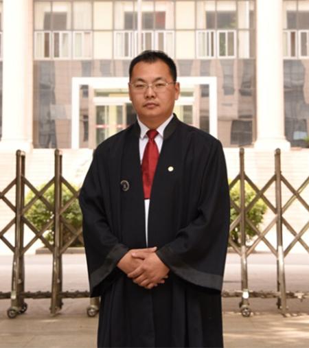 范跃杰律师