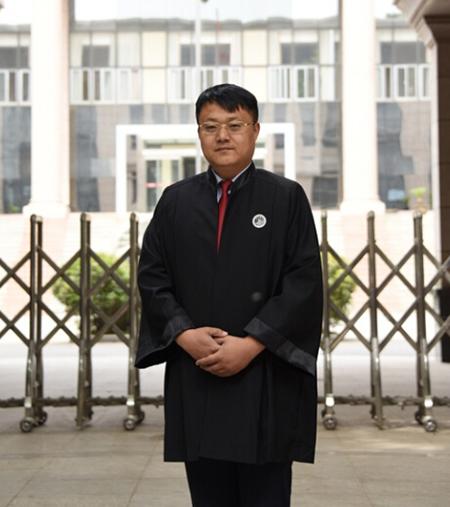 吕曙光律师