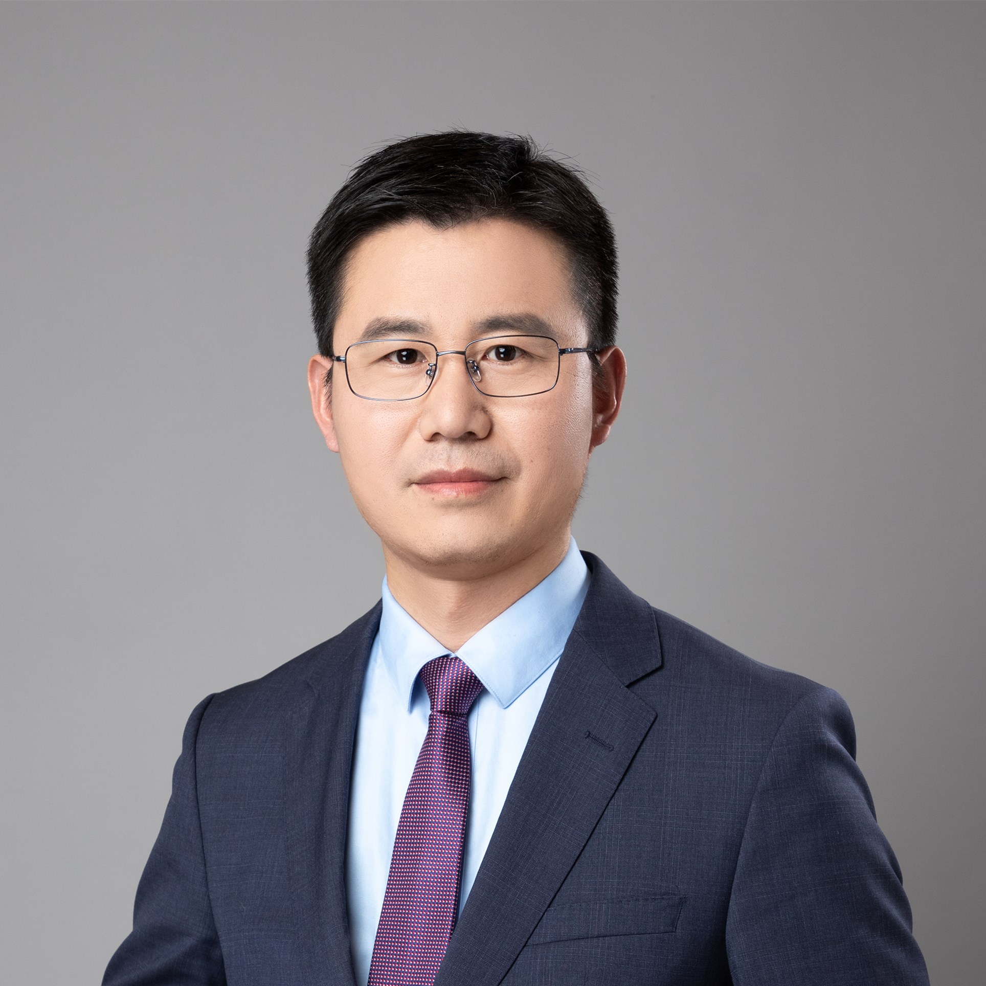 李新立律师