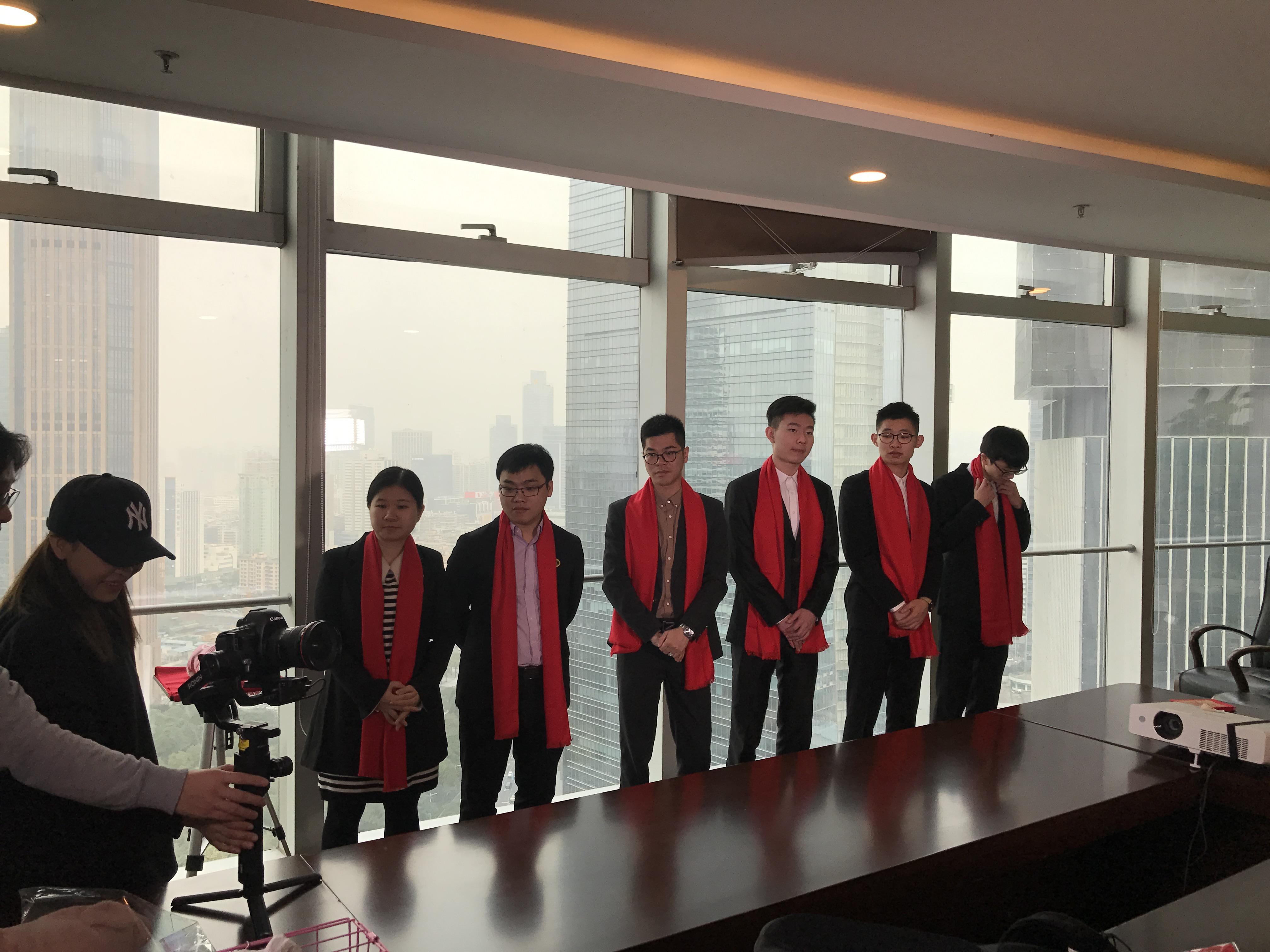 马俊哲律师团队进行贺岁片拍摄2