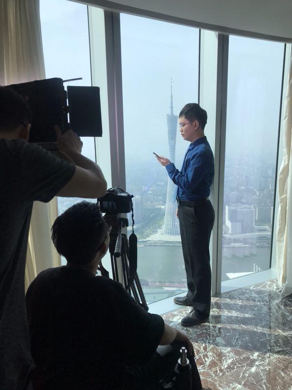 马俊哲律师在广州四季酒店进行宣传片拍摄