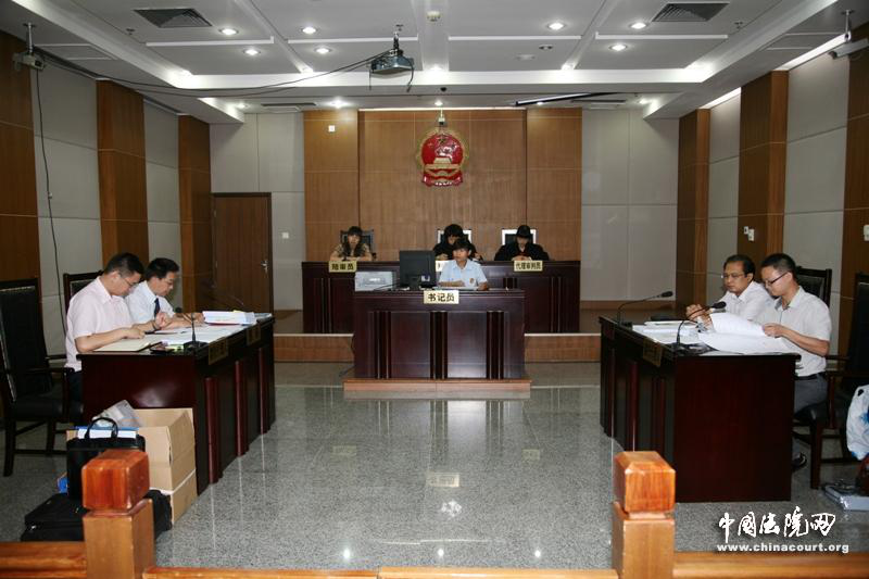 郑律师在法庭