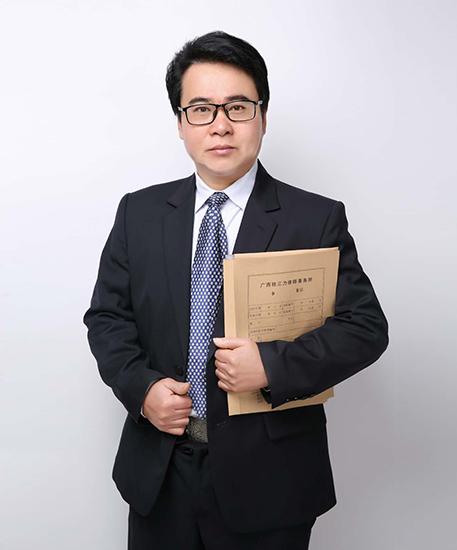傅勇律师风采照4