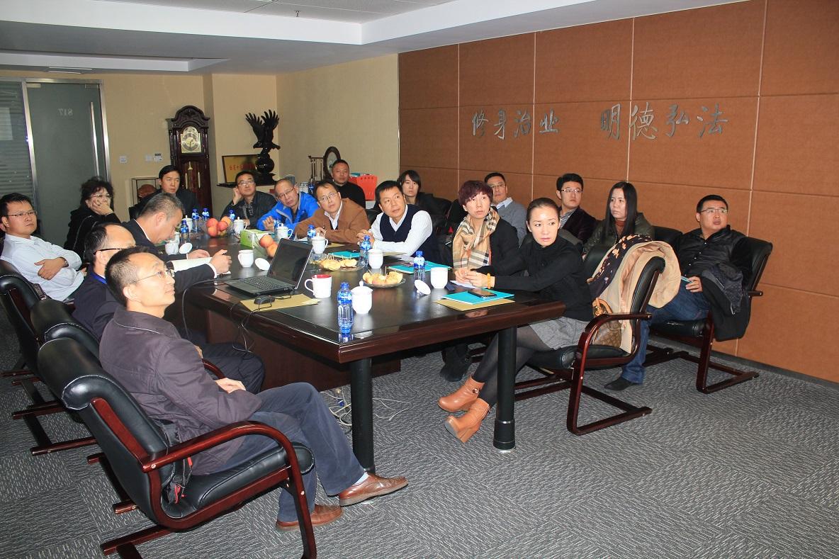 新疆律师正式进驻自治区联合接访厅 提供法律服务