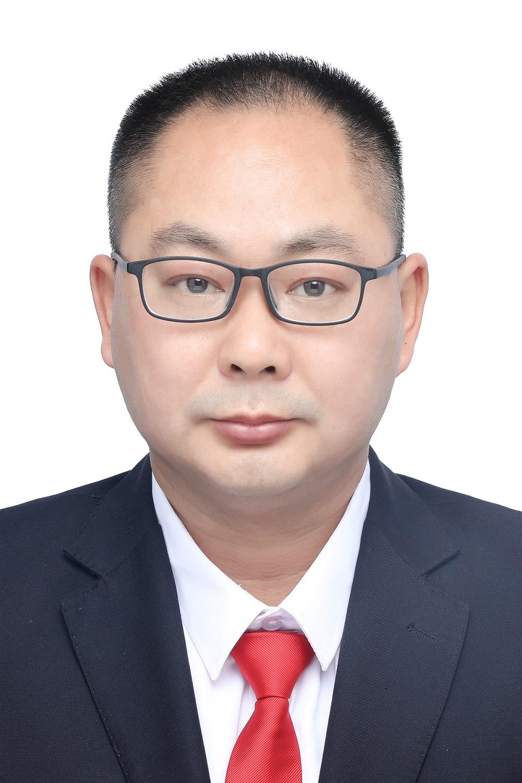 杨飞  实习律师