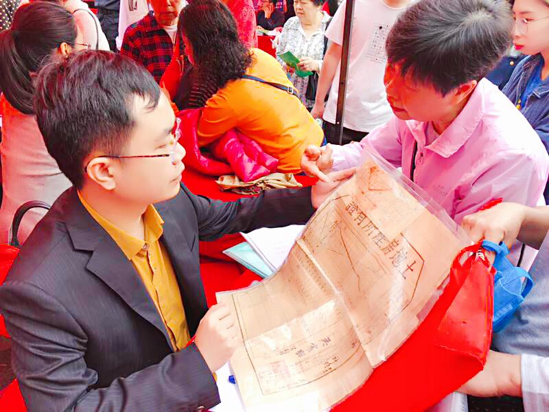 马俊哲律师参加315消费者权益日咨询现场