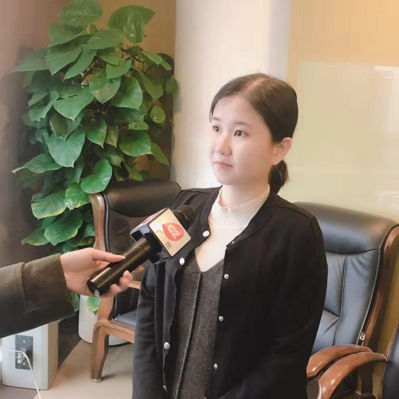 团队成员接受采访