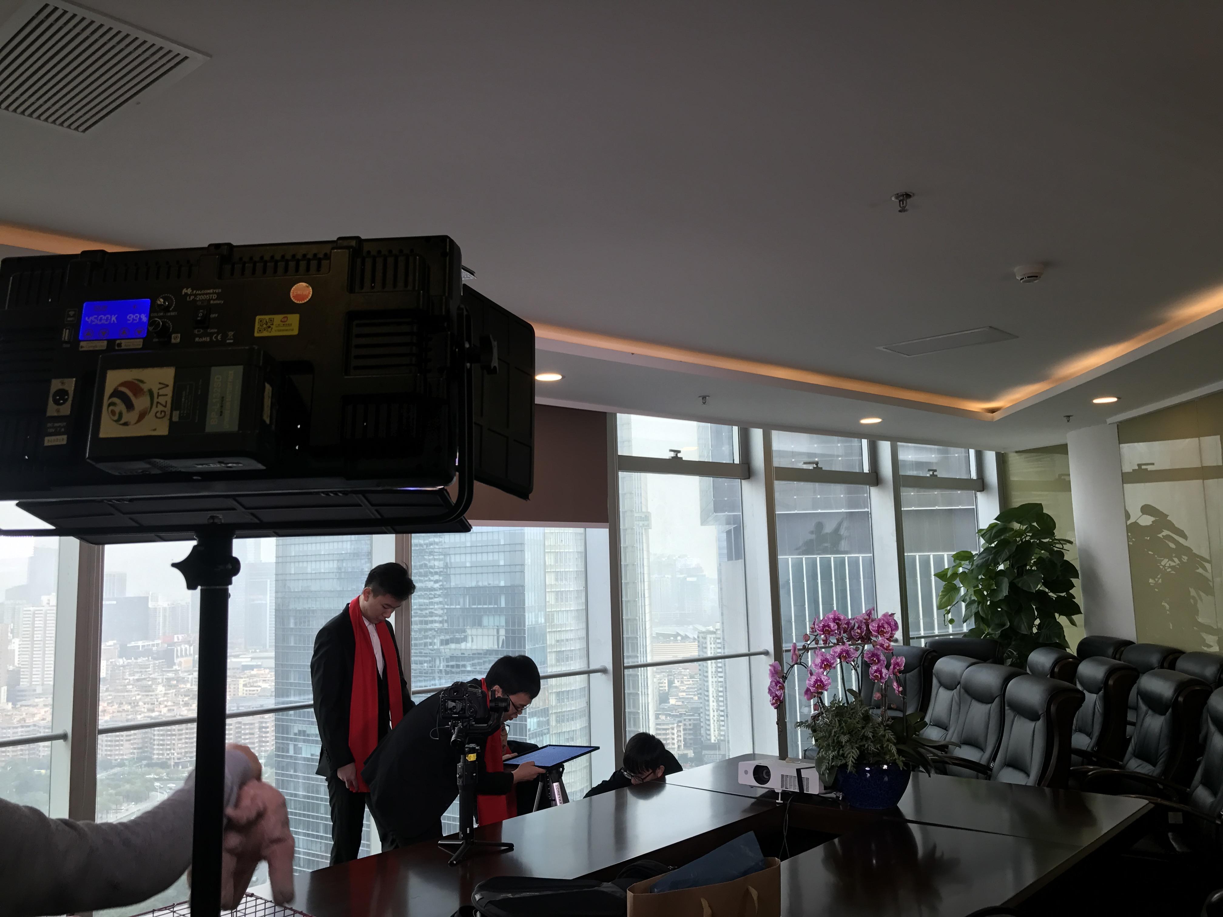马俊哲律师团队进行贺岁片拍摄