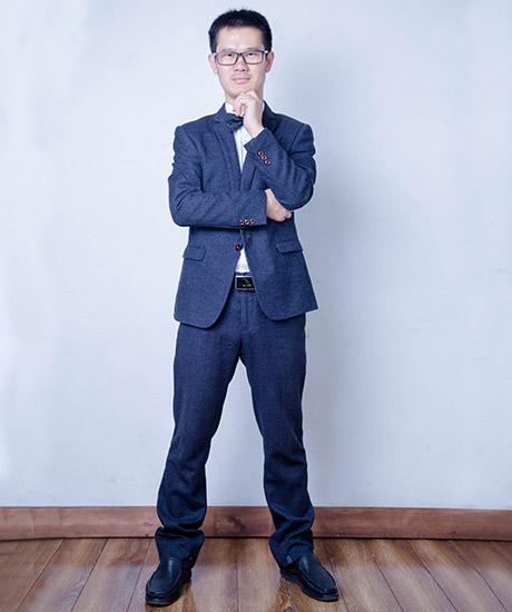 朱恒新律师照片2