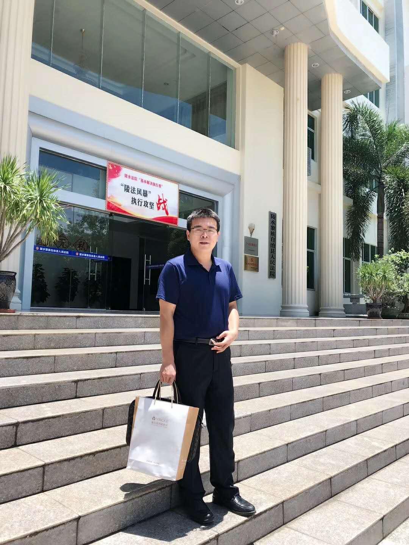 盈辉律师团队参加某故意杀人案在陵水县人民法院开庭