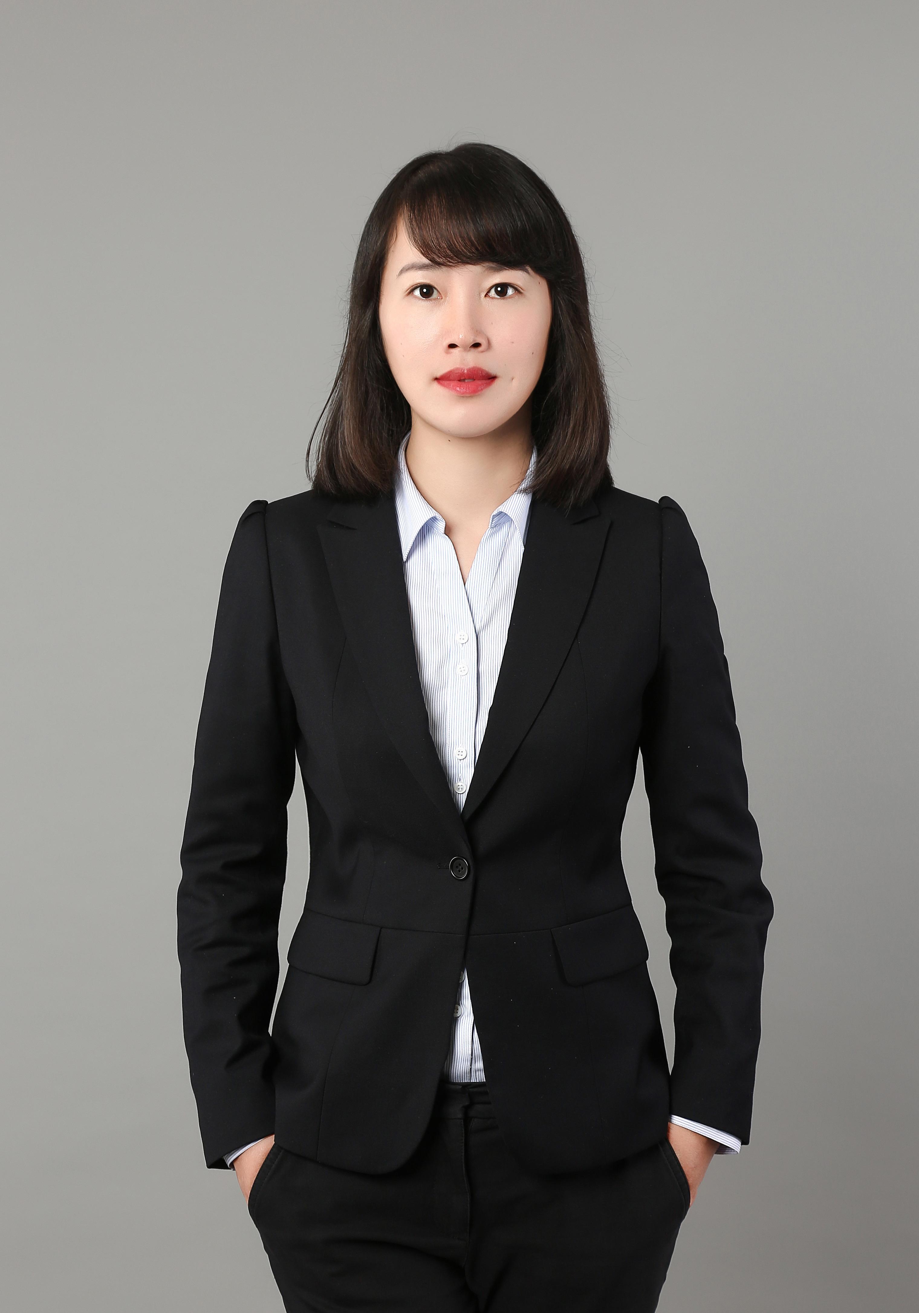 薛小萍律师