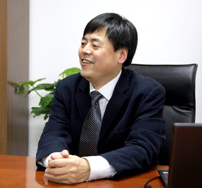 田卷鹏律师